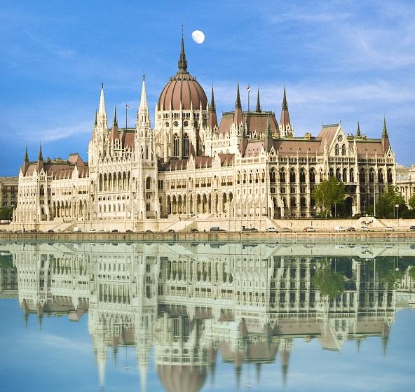 budapest_parliament-building