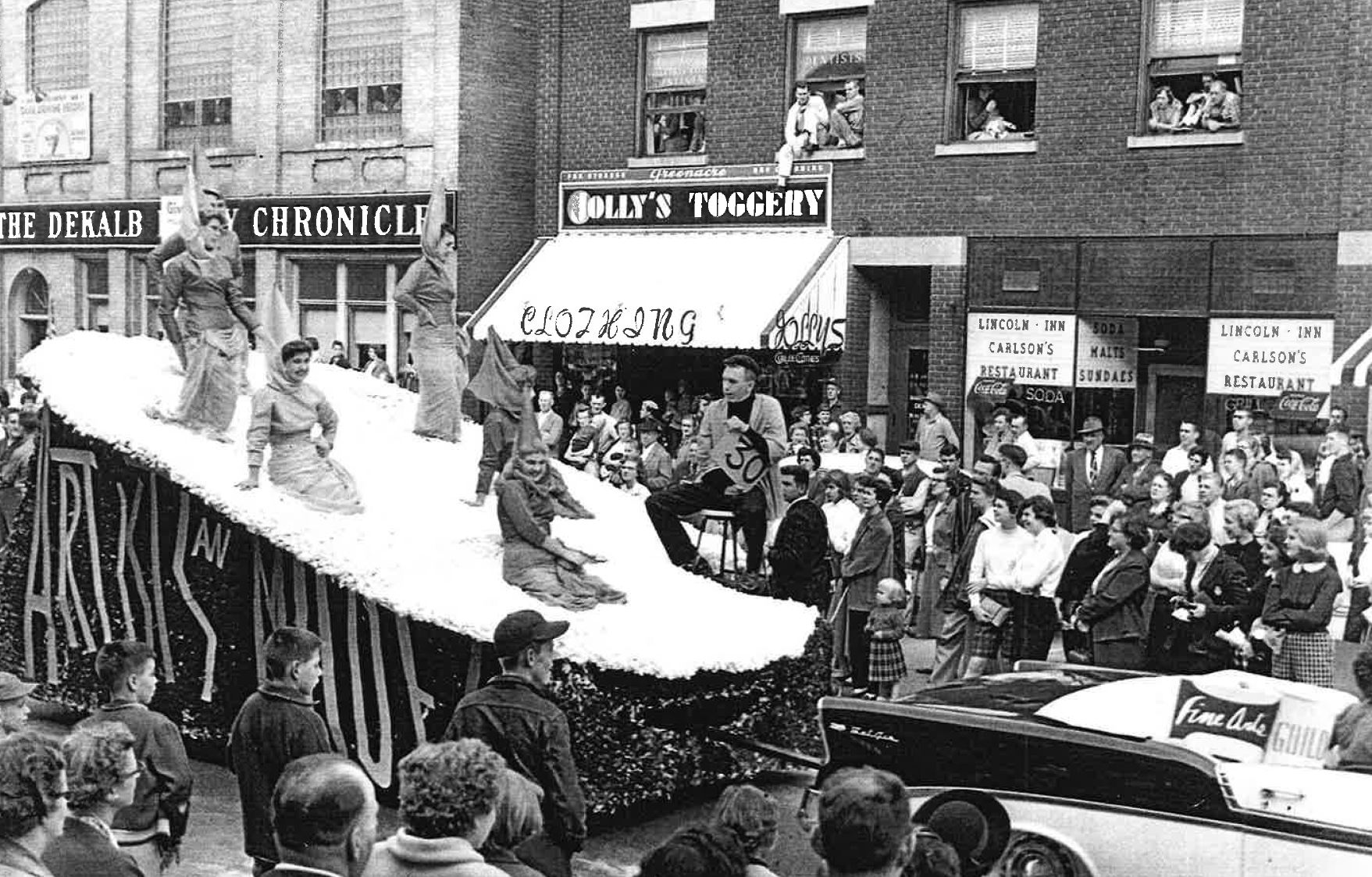 homecoming-float-1957