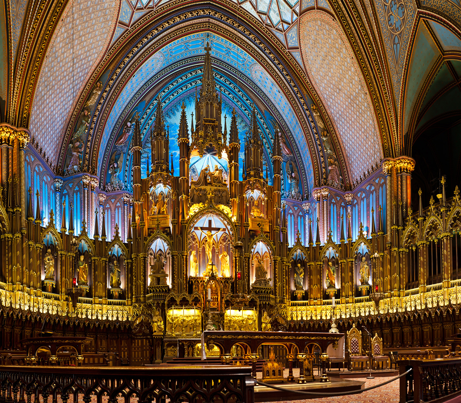the-notre-dame-basilica-montreal