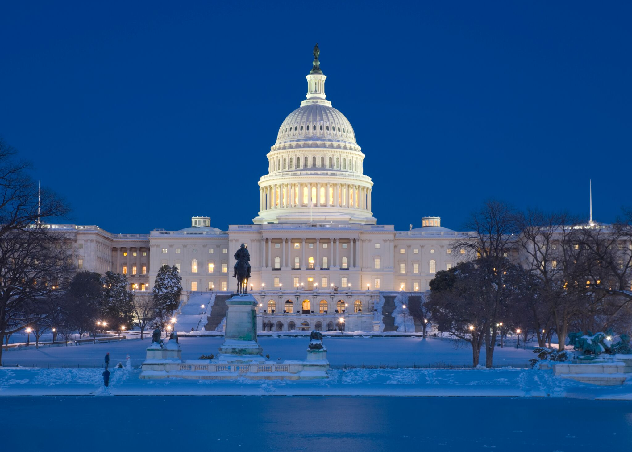 capitol-building-and-surrounding-grounds-135960916_3923x2809_preview